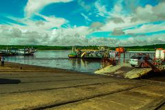Bahia Porto Seguro Ferry voor Voertuigvervoer royalty-vrije stock afbeelding