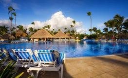 Bahia Principe Hotel Pool y barra magníficas el 9 de noviembre de 2015 en Punta Cana, República Dominicana imagen de archivo libre de regalías