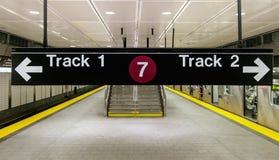 Bahn eine und Indikator zwei Stockfotos
