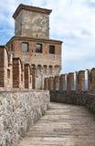 Bahn zu einem mittelalterlichen Kontrollturm Lizenzfreies Stockbild