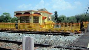Bahnendsteuerraum--c$khutpadardorf Chhattisgarh Stockfoto