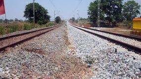 Bahngleis mit zwei Linien Lizenzfreies Stockfoto
