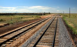 Bahngleis von beweglichem Zug Lizenzfreies Stockbild