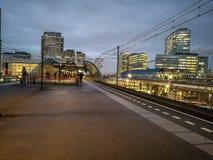 Bahngleise auf Überführung Stockbilder
