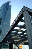 Bahnhof e arranha-céus de Potsdamer Platz Foto de Stock Royalty Free