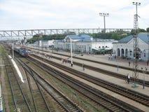 Bahnhof und Züge Stockfotos