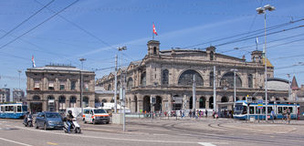 Bahnhofplatzvierkant in Zürich Stock Fotografie