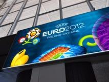 Bahnhofs-und Euro-Fahne 2012 in Warschau Lizenzfreies Stockfoto