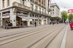 Bahnhofstrasse街道在市瑞士苏黎士 库存图片