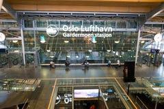 Bahnstation Flytoget Airport Express stockbild