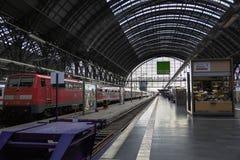 Bahnstation in Frankfurt, Deutschland Stockfoto