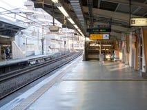 Bahnstation am Morgen Stockfotografie