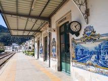 Bahnstation in Pinhao, Portugal lizenzfreie stockbilder