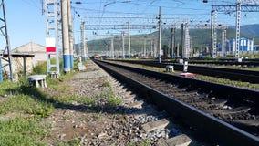 Bahnstation in Sibirien stockbilder
