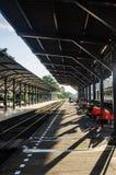 Bahnstation in Thailand stockbilder
