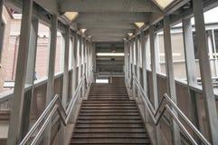 Bahnstation-Treppen Stockbilder