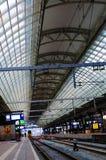 Bahnstations-Innenraum, öffentlicher Transport, Reise Nord-Europa Stockbilder