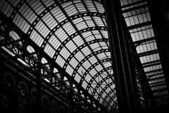 Bahnstations-Zusammenfassung lizenzfreie stockbilder