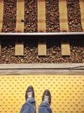 Bahnstationsplattform lizenzfreie stockbilder