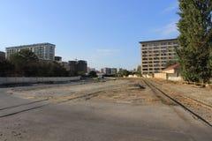 Bahnstrecken in den Stadtränden von Baku Lizenzfreie Stockbilder