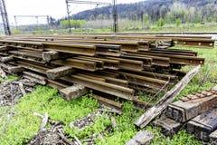Bahnstrecken und Lagerschwellen lizenzfreies stockfoto