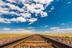 Bahnstrecken zum Horizont Stockbilder