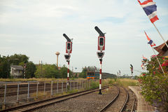 Bahnverkehr auf Pfosten Lizenzfreie Stockbilder