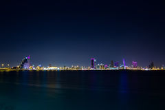 Bahrain nachts Lizenzfreie Stockfotos
