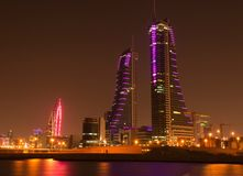 Bahrain på natten Royaltyfria Bilder