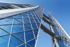 Bahrain World Trade Centerfasad med vindturbiner på den Royaltyfria Foton