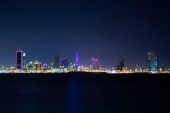 Bahrein bij nacht Stock Fotografie