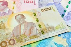 1000 baht thai sedel, jubileums- sedlar i minne av den sena konungen Bhumibol Adulyadej Fotografering för Bildbyråer