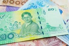20 baht thai sedel, jubileums- sedlar i minne av den sena konungen Bhumibol Adulyadej arkivfoton