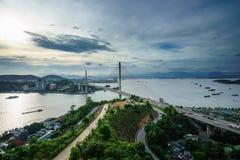 Bai Chay γέφυρα στη μακριά πόλη εκταρίου, επαρχία Quang Ninh, Βιετνάμ Στοκ Εικόνες