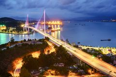 Bai Chay γέφυρα στη μακριά πόλη εκταρίου, επαρχία Quang Ninh, Βιετνάμ Στοκ Εικόνα