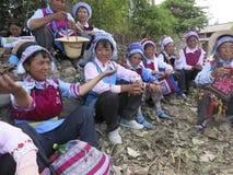 Bai Ethnic People i Kina royaltyfria bilder