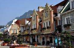 Bai Lu, China: La Grande Rue Buildings Royalty-vrije Stock Afbeeldingen