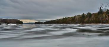 Baia congelata al crepuscolo Immagine Stock