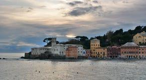 Baia Del Silenzio na chmurnym zima dniu miejsca przeznaczenia Italy levante Liguria regionu sestri turysta italy Liguria obraz stock