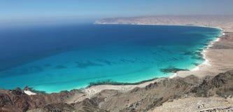 Baia del turchese e spiaggia di sabbia bianca – socotra, Yemen fotografie stock