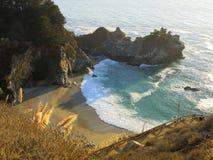 Baia dell'oceano di Big Sur Fotografia Stock