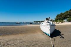Baia di Arcachon, Francia, barca a vela al lowtide Fotografie Stock Libere da Diritti