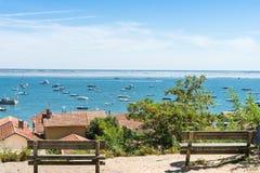 Baia di Arcachon, Francia, vista sopra il villaggio dell'ostrica di Lherbe Immagini Stock