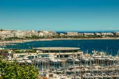 Baia di Cannes nei maritimes riviera francese dei alpes Immagini Stock Libere da Diritti
