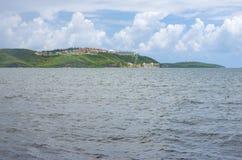 Baia di Fajardo e colline costiere a Puerto Rico fotografie stock libere da diritti