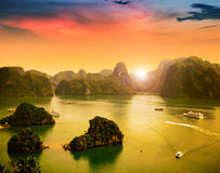 Baia di Halong nel Vietnam Fotografie Stock