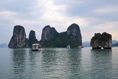 Baia di Halong in Quangninh, Vietnam immagini stock libere da diritti