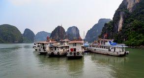 Baia di Halong in Quangninh, Vietnam immagine stock libera da diritti