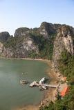 Baia di lunghezza dell'ha - Vietnam Immagine Stock