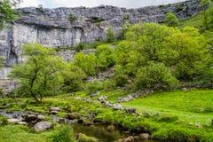 Baia di Malham, parco nazionale delle vallate di Yorkshire immagini stock